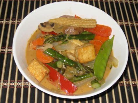 thai panang curry recipe vegetarian panang curry from may kaidee s thai vegetarian and vegan