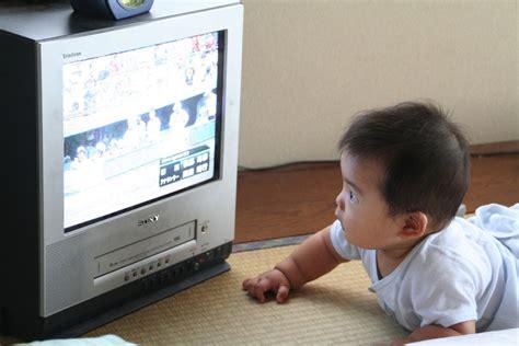ab wann schwangerschaftsyoga kleinkinder und der fernseher babyrocks de