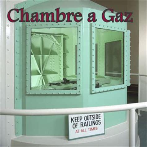 la chambre a gaz la peine de mort en dictature