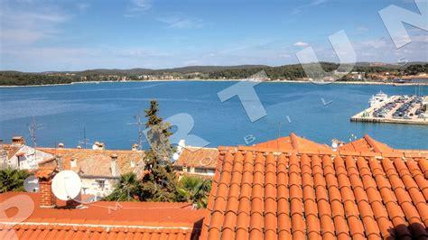 rovigno appartamenti sul mare trilocale con sbalorditiva vista sul mare nel centro