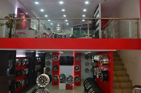 7 Best Shops For Accessories by Http Www Buzznoida Business Automotive Vehicle Tyres