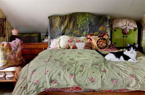 Painted Wooden Headboards by 30 Ingenious Wooden Headboard Ideas For A Trendy Bedroom