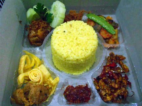nasi kotak nasi kuning tumpeng related keywords nasi kuning tumpeng