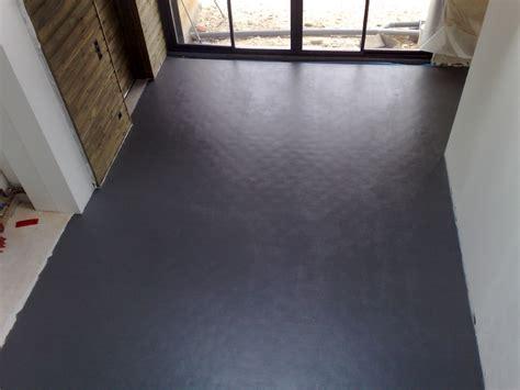 peinture carrelage sol effet beton cire 3585 peinture loft sol les d 233 coratives aspect b 233 ton cir 233