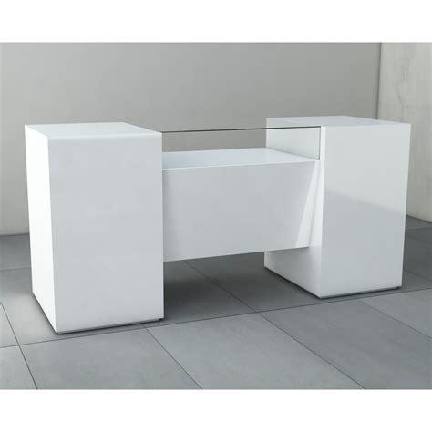 Comptoir De Caisse Pour Magasin by Comptoir Et Table D Encaissement Avec Large Vitrine En