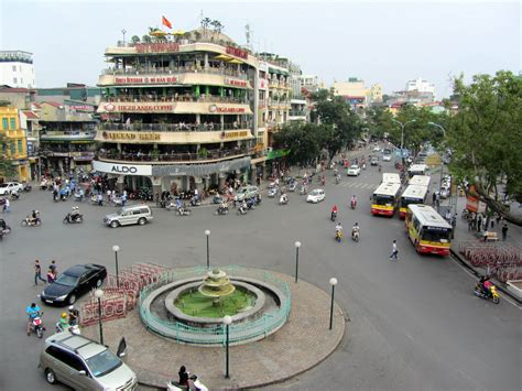 1 of 1000: We've Seen It All – In Hanoi | 4hours1000places.com