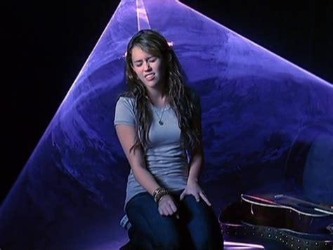 The Climb Miley Cyrus - the climb screencap miley cyrus image 22811899 fanpop