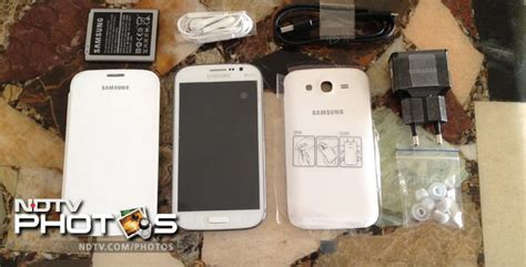 Headset Samsung Galaxy Grand Duos Samsung Galaxy Grand Duos In Pics Pictures Ndtv