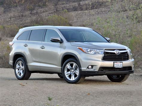 Toyota Crossover Suv 2014 Toyota Highlander Crossover Suv Road Test And Review