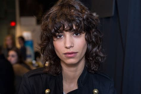 1980s layered hairstyles with bangs 80s hairstyles totally tubular trends we re still loving now