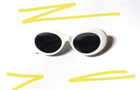 Kacamata Putih gaya gaya hijabers asal malang pakai tiga kacamata