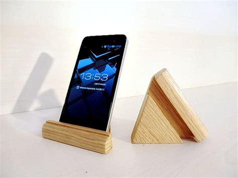 portacellulare da scrivania 15 accessori per l iphone non puoi perdere il