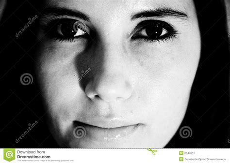 imagenes en blanco y negro mujer cara de la mujer blanco y negro imagen de archivo