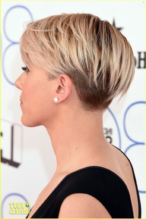 Why Scarlett Johansson Cut Hair | scarlett johansson in short haircut scarlett johansson