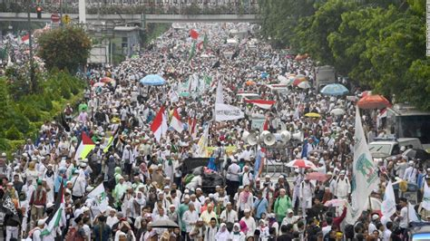 ahok leadership style indonesia protest 200 000 march against christian