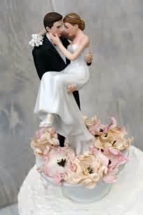 wedding cake figurines bed of roses groom holding the wedding cake topper wedding collectibles