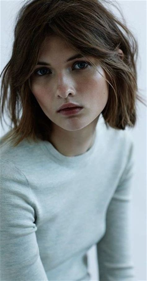 hairstyles with bangs and middle part 25 best ideas about middle part bangs on pinterest