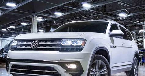 volkswagen atlas r line volkswagen expands the 2018 atlas lineup with sporty r