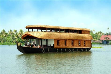 boat house photos kerala houseboats kettuvallam india travel guide