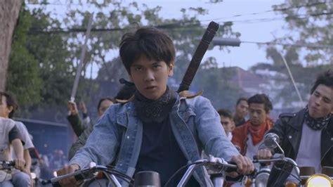 film dilan iqbaal ulasan film dilan 1990