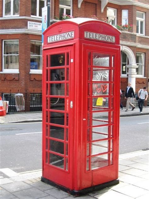 dr who phone booth photo