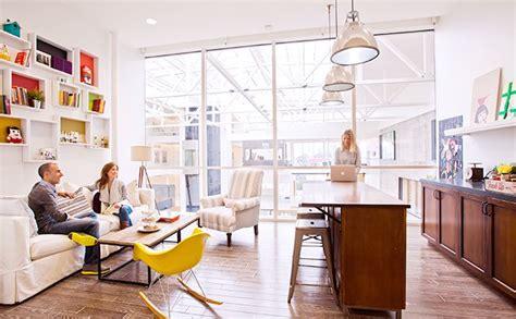airbnb jobs 1 main large b2721c5df66eff48576ccd4138be542b