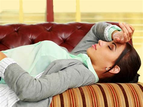 sleeping without pillow why you should never use a pillow while sleeping lifealth