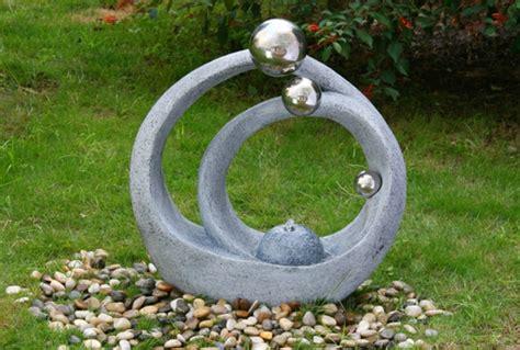 Délicieux Fontaine De Jardin Moderne #1: Fontaine-de-jardin-design-pierre-sculpture-moderne.jpg