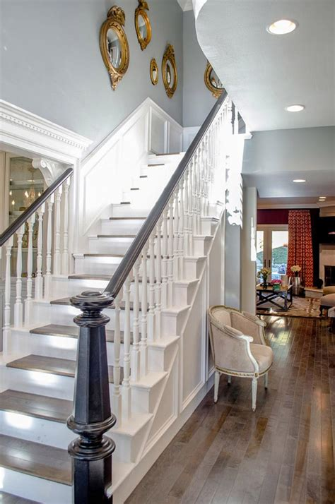 white stairs leading    floor mirrors rilane