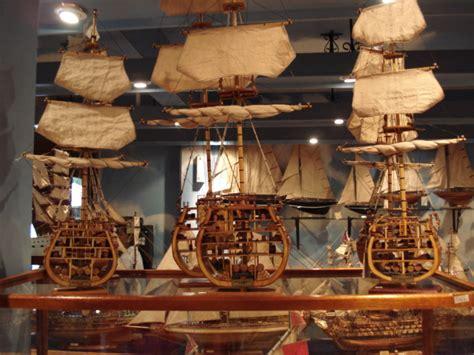 cross sectional model file model ships cross section mauritius jpg wikimedia