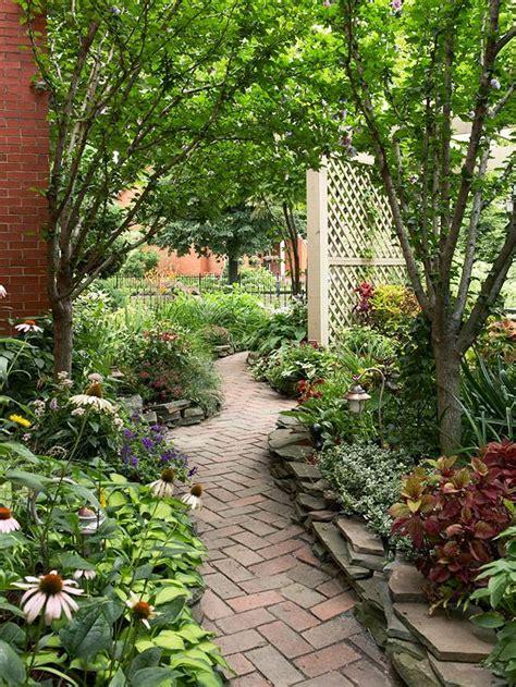 Sidewalk Landscaping Ideas Path And Walkway Landscaping Ideas Paths Walkways And Bricks