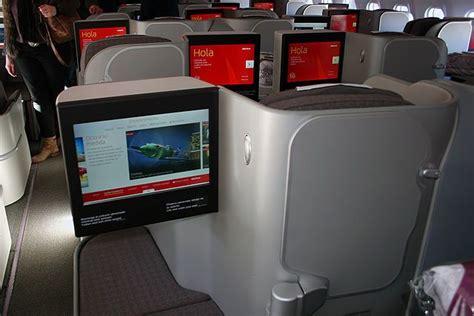oficinas avianca barcelona iberia saca cabeza premium economy el avionista
