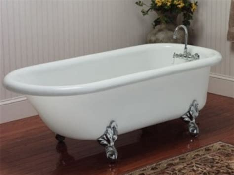 claw footed bathtubs 66 quot acrylic rolled rim clawfoot tub classic clawfoot tub