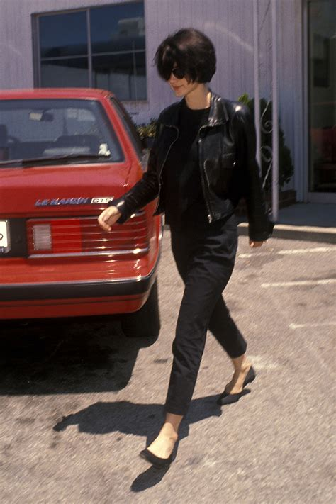 Fall Inspiration 90s Winona Ryder - How to Look Like ... G Design Letter