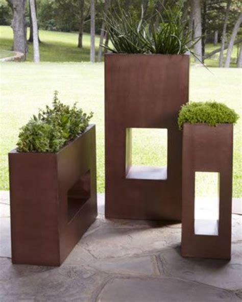 Modern Planters Outdoor by 37 Modern Planters To Make Your Outdoors Stylish Digsdigs