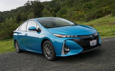 2020 toyota prius pictures 2020 toyota prius prime reviews news pictures and