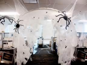 Halloween Office Decorating Themes - best 25 halloween office ideas on pinterest