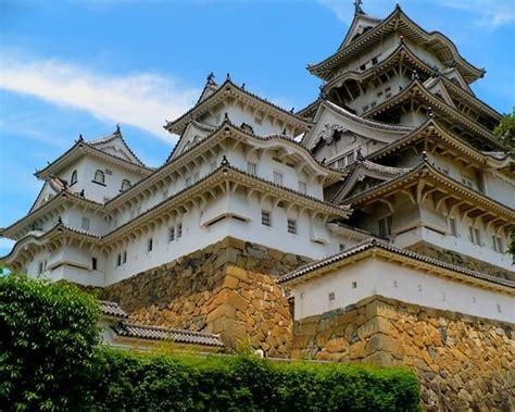 himeji castle by it s unique architecture