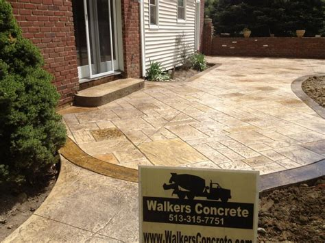 Concrete Patio Color Ideas by 1000 Images About Landscaping On Sted