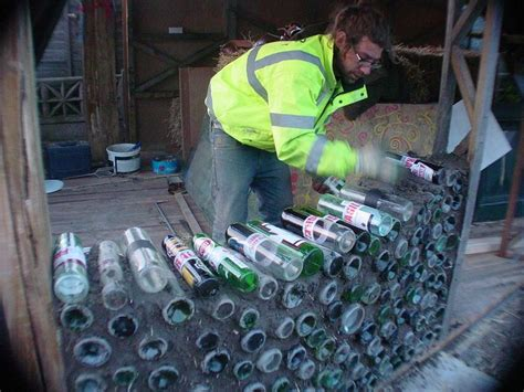 Teh Eco 1 Dus ons nieuwe eco huis flessen en ander glas gezocht