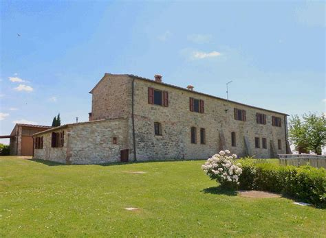 houses to buy in tuscany italy property commercial for sale in tuscany asciano italy