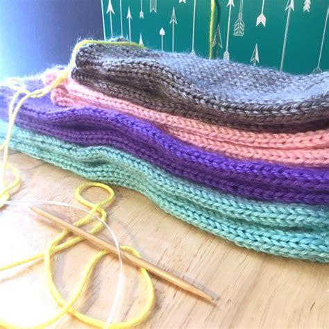 easy leg warmer knitting pattern simple knit leg warmers purlsandpixels