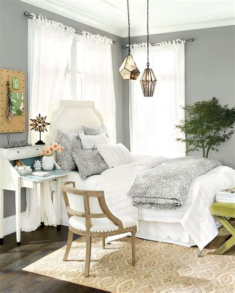 Window Beds by 10 Ways To Place Your Bed In Front Of A Window How To