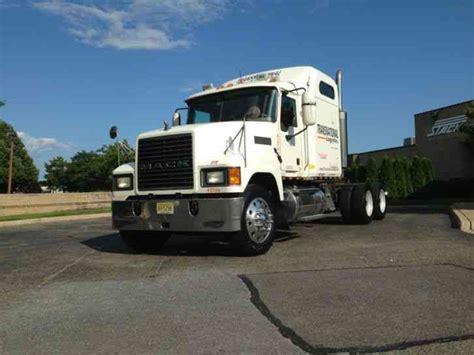 Extended Sleeper Trucks by Peterbilt 379 Extended 2002 Sleeper Semi Trucks