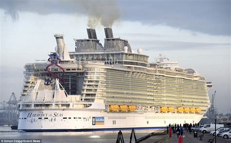 titanic vs big boat harmony of the seas makes titanic look a minnow as it