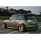 Mini Cooper  Safety Stance