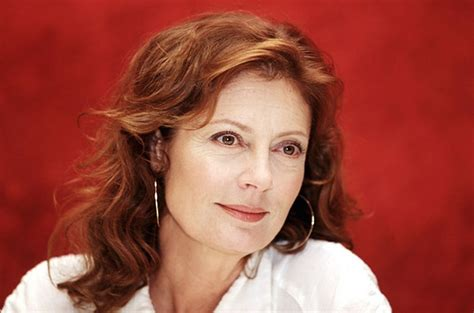 elderly hispanic women hairstyles tell us what you think susan sarandon s cleavage at the