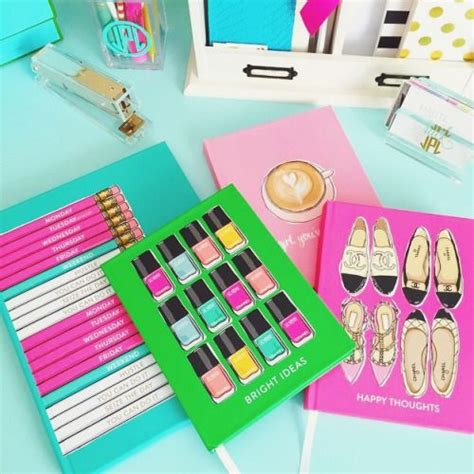 Preppy Desk Accessories 25 Best Ideas About Preppy Desk On Pinterest Preppy Bedroom Gold Office Accessories And