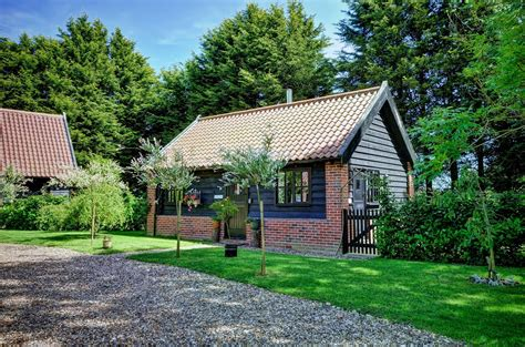 The Barn Cottage by Deben Barn Doggie Places