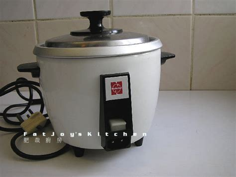 Rice Cooker National 80年代樂聲牌電飯煲 vintage 80 s national electric rice cooker 肥哉廚房 隨意窩 xuite日誌